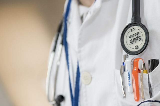 医師、病院、聴診器