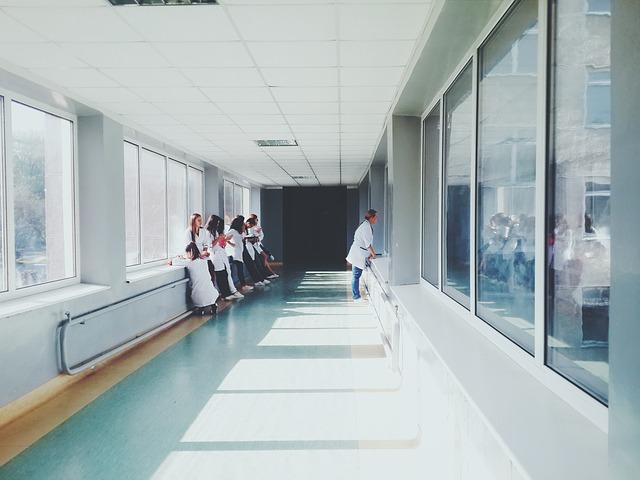 病院、医師、看護師、薬剤師