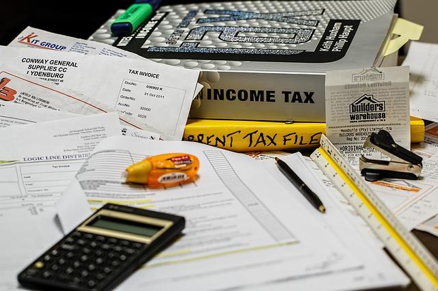 所得税の計算方法、電卓、収入と所得