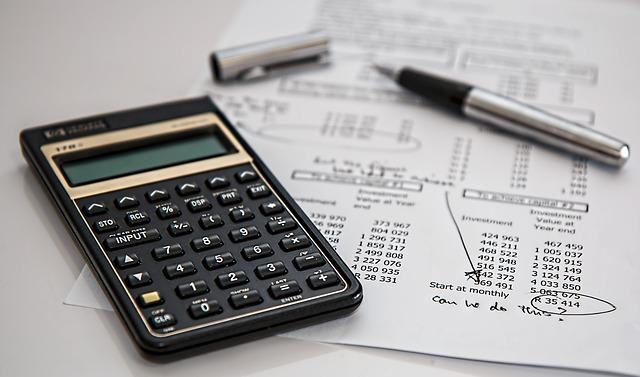 税金、源泉徴収、電卓、計算