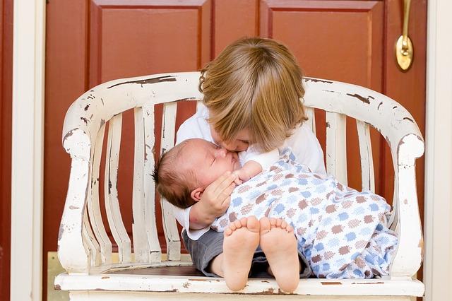 赤ちゃん、子ども、兄弟、姉妹、子育て