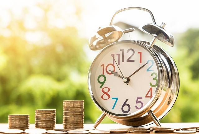 お金、コイン、時計、給付金
