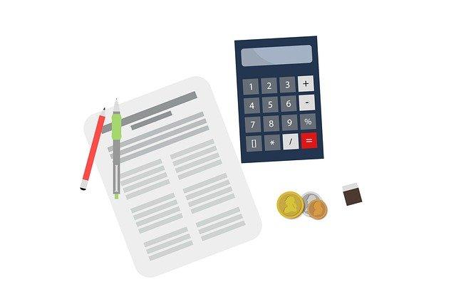税金、電卓、書類